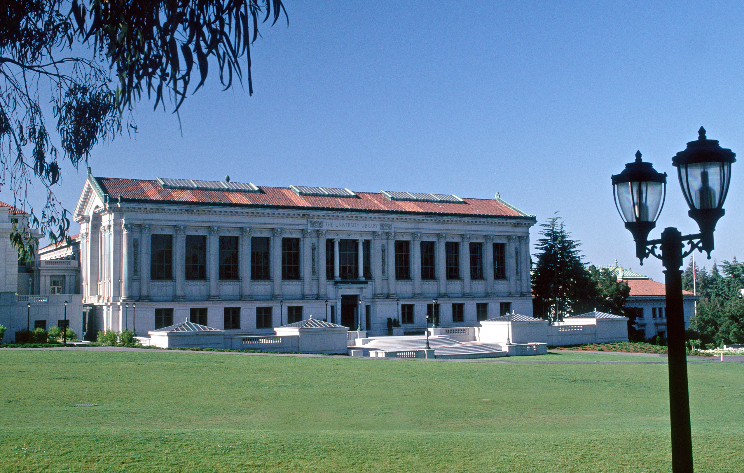UC Berkeley, Doe Library